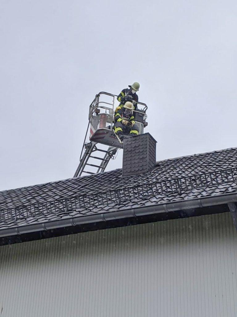 Montag,16.11.2020 - Kaminbrand in Konzen
