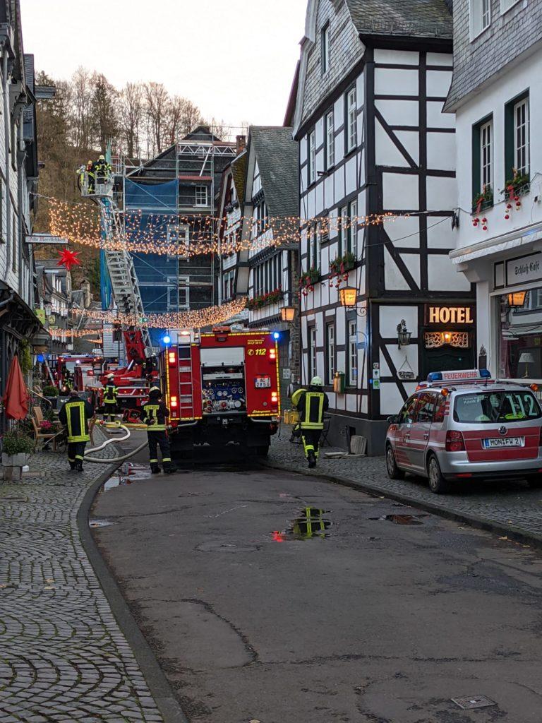 Donnerstag, 12.11.2020 - Dachstuhlbrand in der Stadtstraße